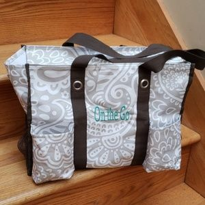 Thirty One utility tote with zipper